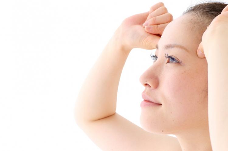 ハリウッド式美容鍼灸はエステでは届かない表情筋に作用